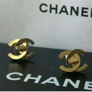 New Chanel Earrings perfect pair 💛💛💛💛💛💛💛💛